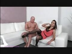 Мужской порно кастинг: видео секса с лысым парнем и шатенкой в чулках