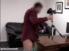 Порно-кастинг баб за тридцать - брюнетку поимели во все щели
