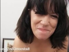 Порно кастинг женщин за 40 проводится при помощи анала
