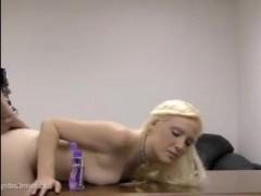 Красивое порно. Устраивается на работу и трахается с работодателем
