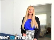 Молодая блондинка решила поучаствовать в хд кастинг порно